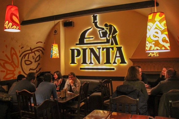 Drinking craft beer at Viva la Pinta in Krakow, Poland