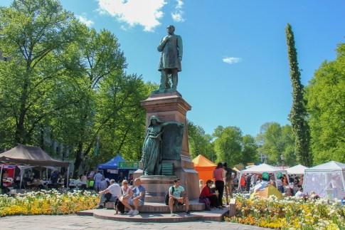 Statue in the middle of Esplanadi Park in Helsinki, Finland