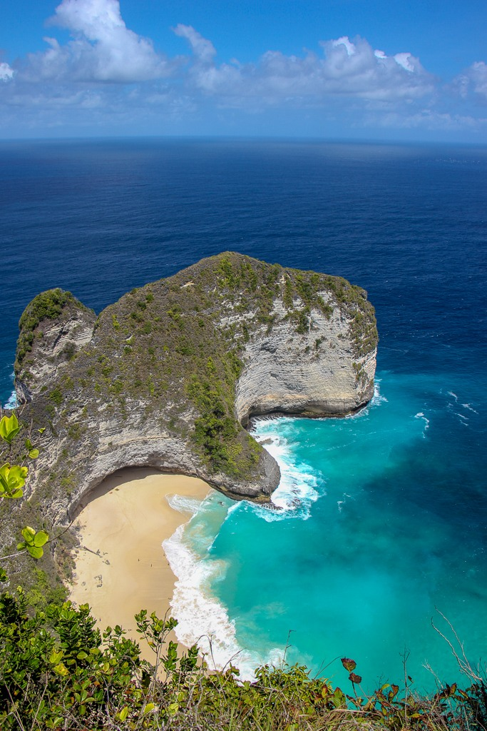 View of Kelingking Beach on Nusa Penida, Bali, Indonesia
