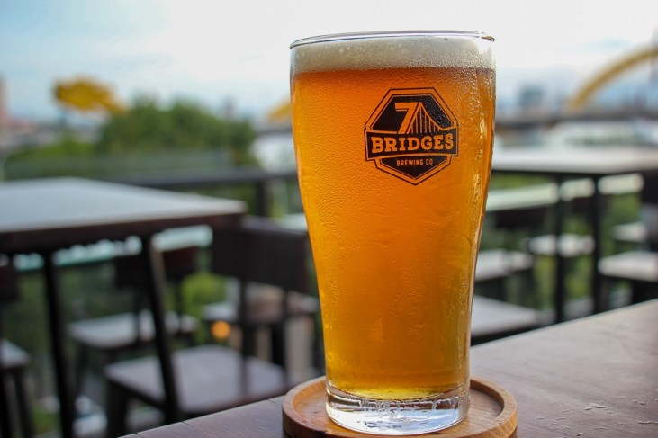 Ice Cold American Pale Ale, 7 Bridges Brewery, Da Nang, Vietnam