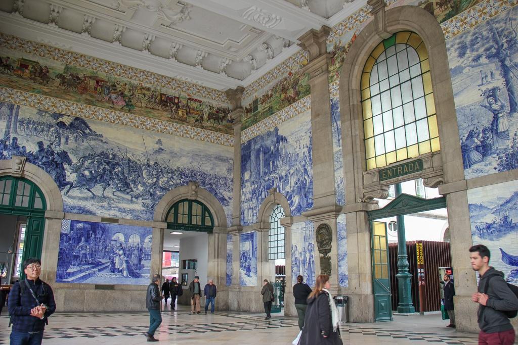 Interior, Sao Bento Train Station, Porto, Portugal