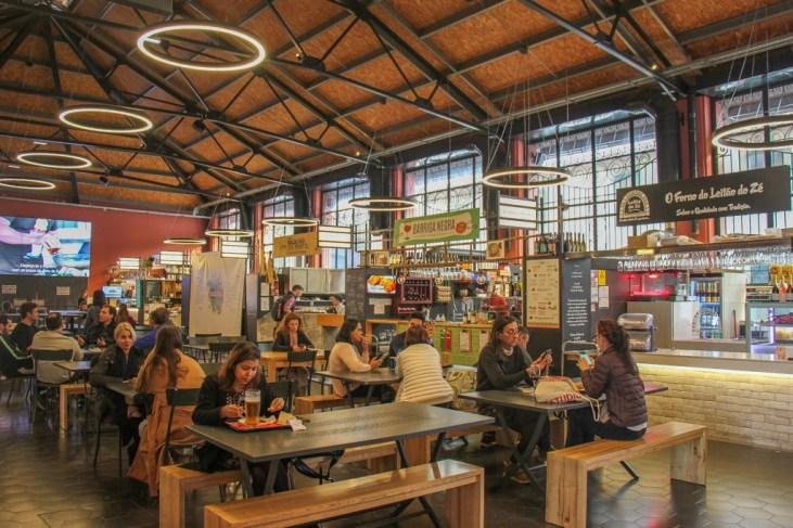 Inside, Mercado Municipal de Gaia, Portugal