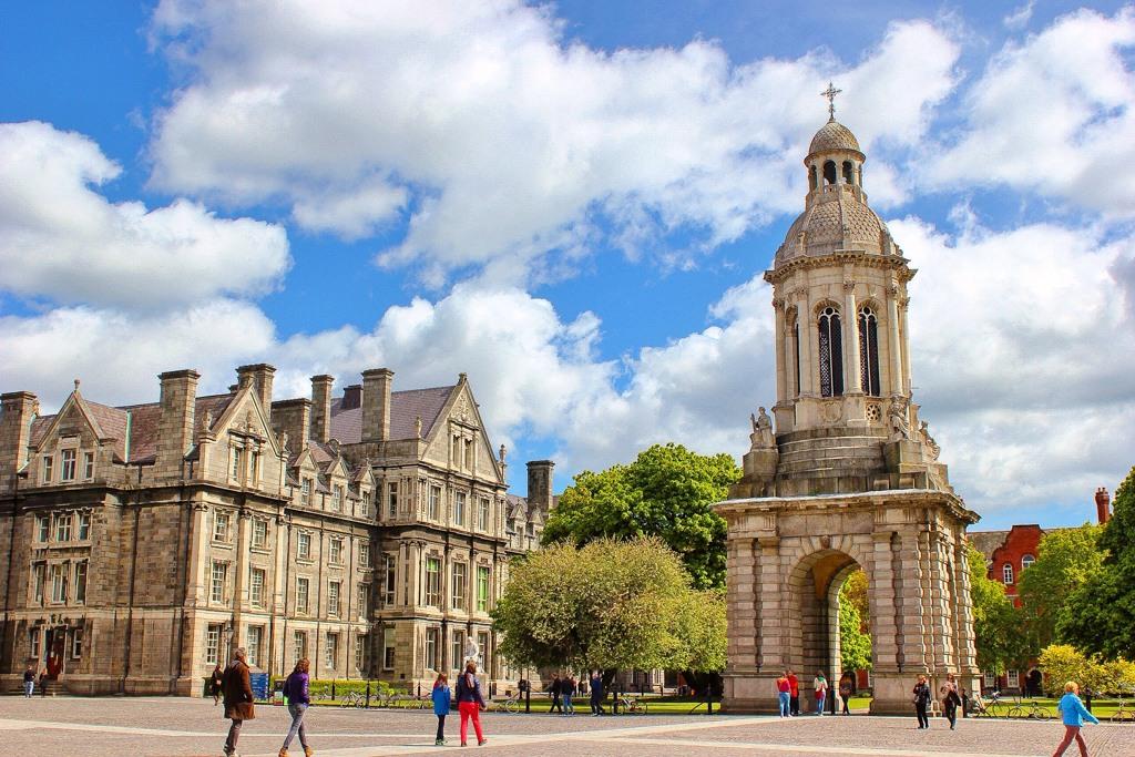 Trinity College, Walking Tour, Dublin, Ireland (1)