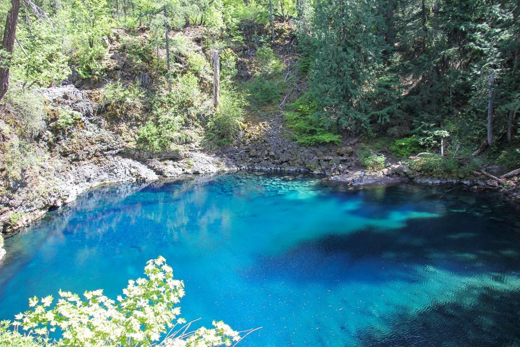 Bend day trip to Blue Pool, Oregon