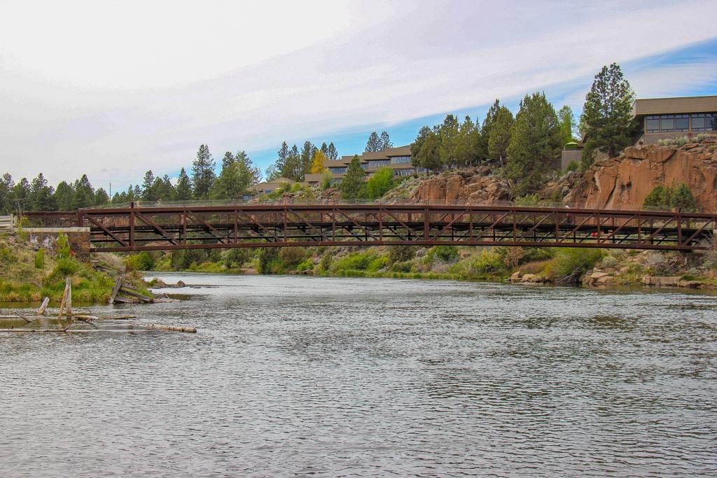 Bend Oregon Deschutes River Walk