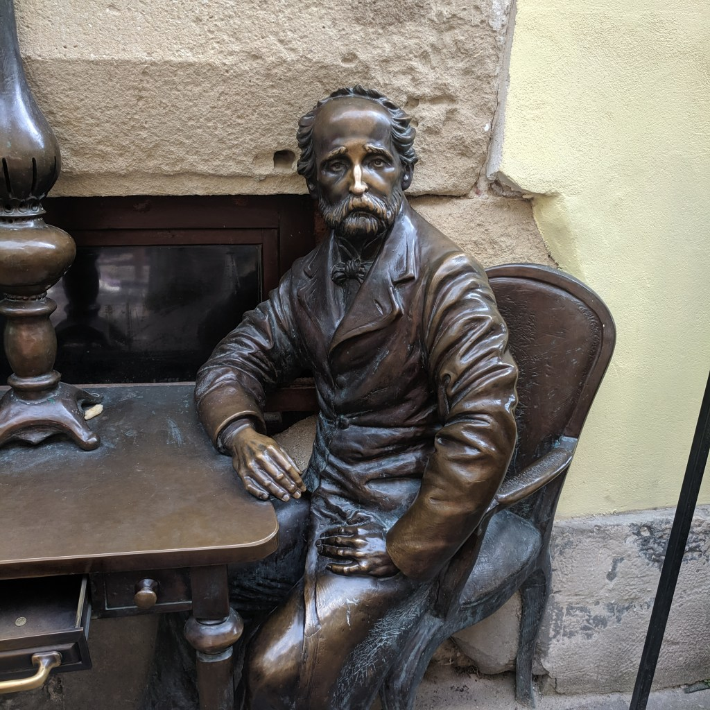 The sculpture of Jan Zieg, one of two  creators of the kerosene lamp