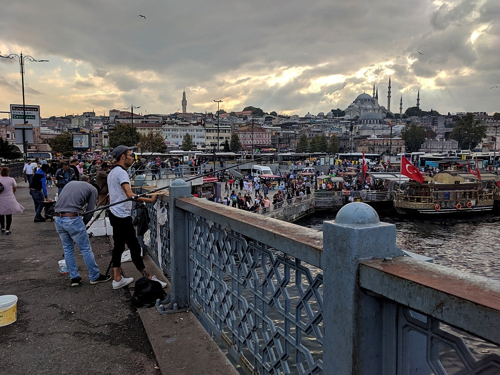 Things to do in Istanbul: Galata bridge