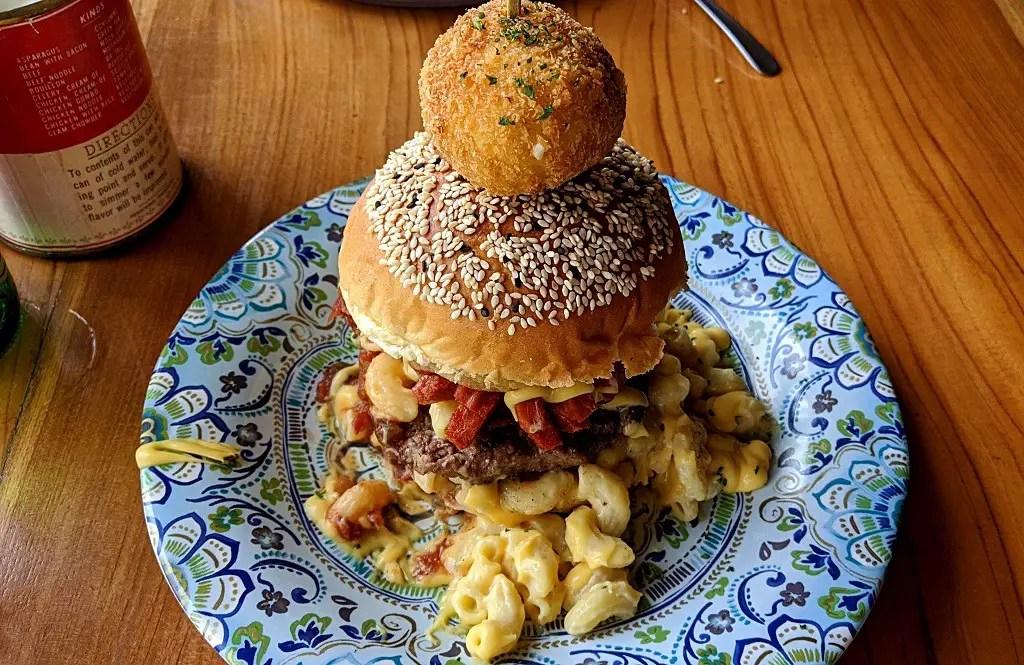 Mac'intosh burger