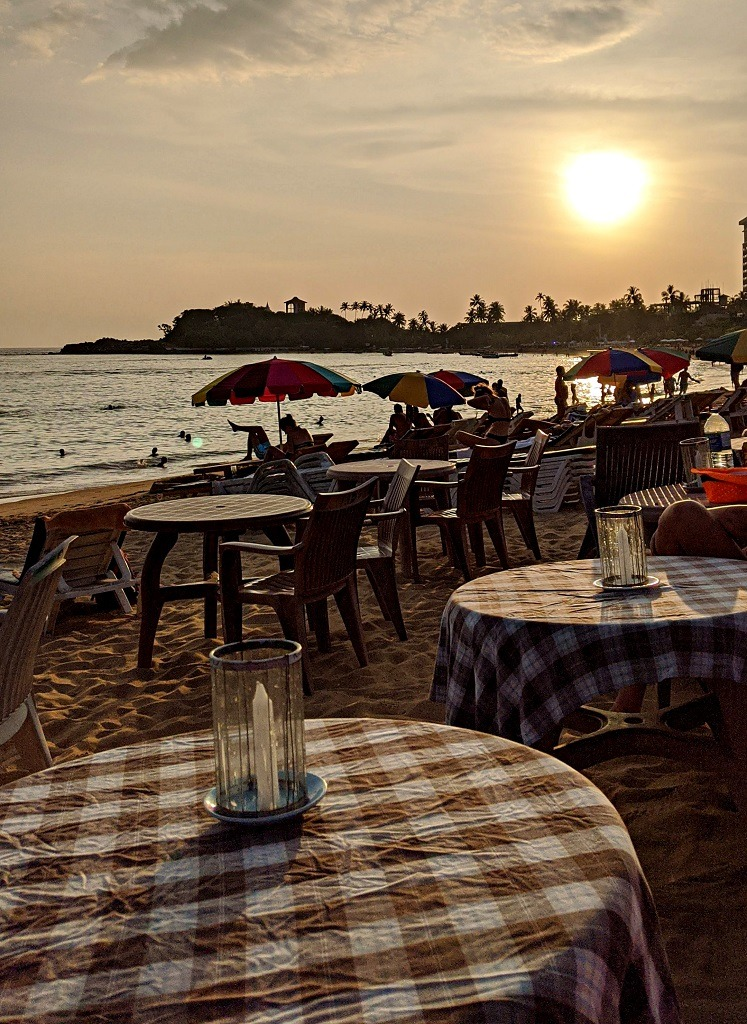 Catamaran Pub is one of the places to eat in Unawatuna