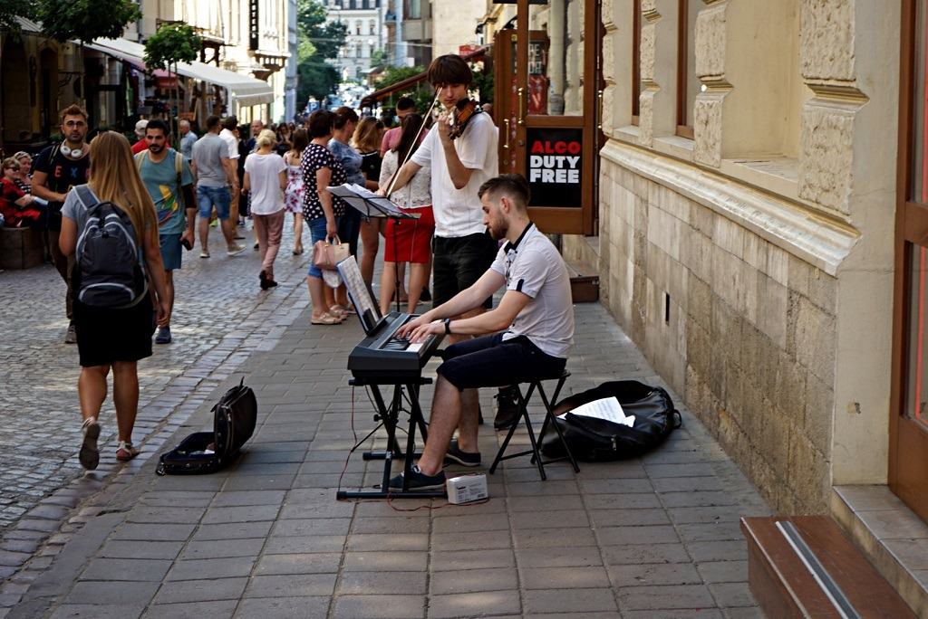 The Perfect Weekend In Lviv : Street musicians