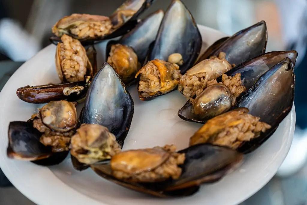 Mercan Stuffed Mussels