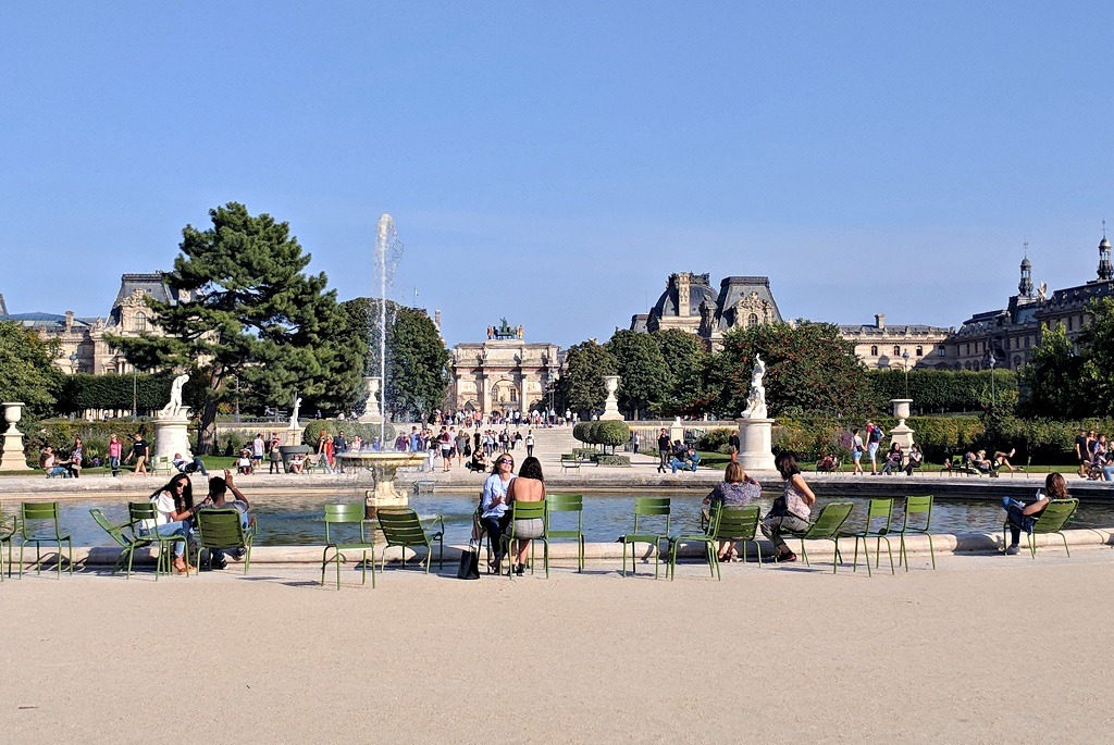 One of the Tuileries' fountain