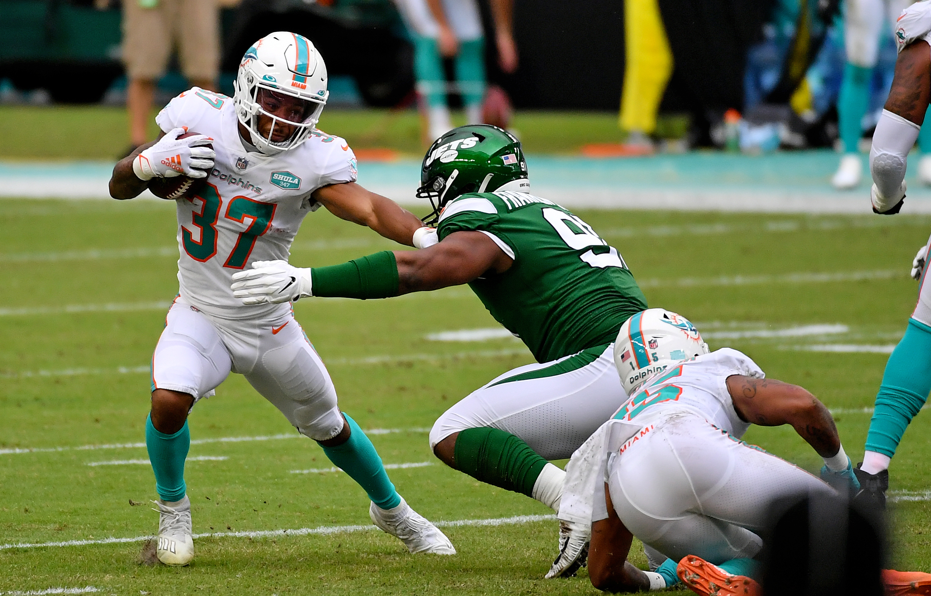 Oddsmakers favor Dolphins by touchdown vs. winless Jets in Week 12