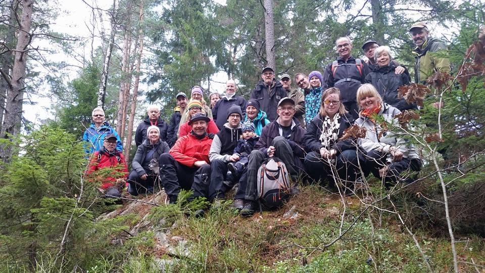 Den obligatoriska gruppbilden tagen av Michael Lönn.  Klart brokig skara! :-)