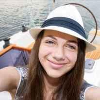 Beautiful girl taken pictures of her self, instagram