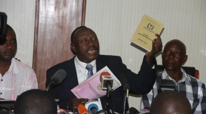 Profesa Ibrahim Lipumba Akitangaza Kujiuzulu Uenyekiti CUF 6 Agosti 2015