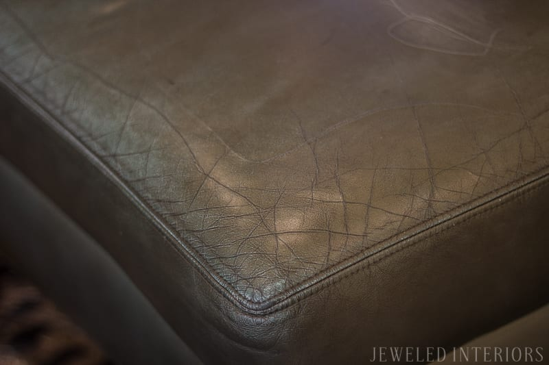 Check out this new and improved chalk paint technique for painting your leather sofa| couch| sofa|wax| minwax| primer| leather| bi-cast| Plaster of Paris| recipe| diy| chair| furniture| chalk paint| jeweledinteriors