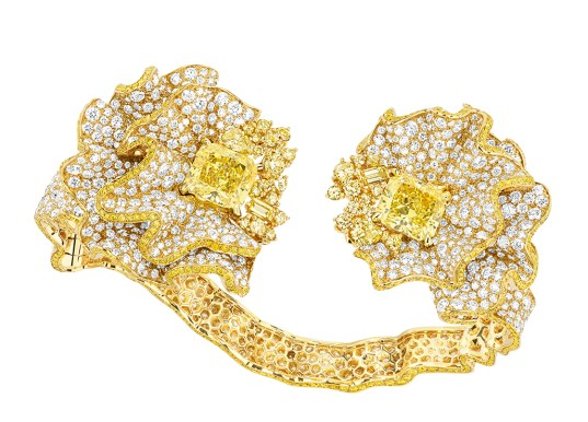 Fronce Diamant Jaune Bracelet. 750/1000 yellow gold, diamonds and yellow diamonds.