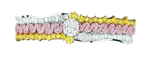 Tresse Diamant Bracelet. 950/1000 platinum, 750/1000 pink and yellow gold, diamonds, yellow and pink diamonds.
