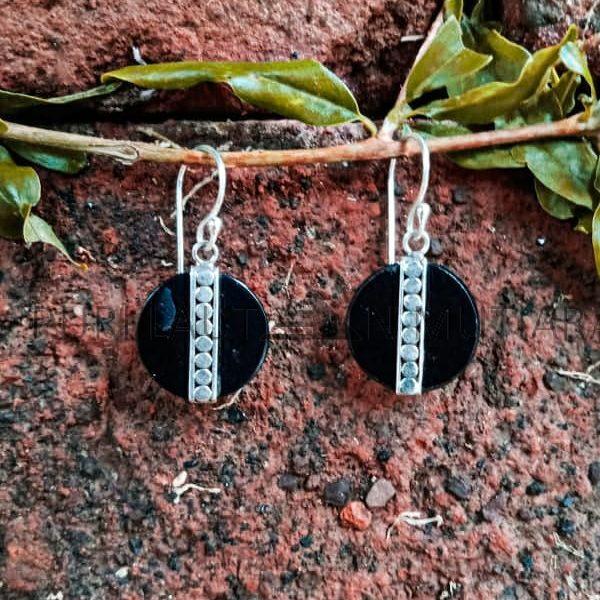 EA25442-Round Black Resin Earrings