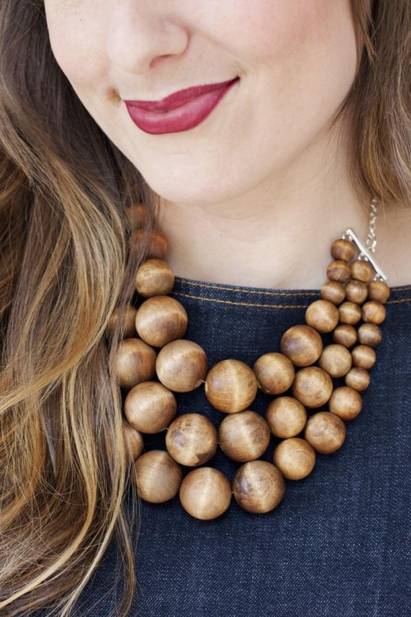 wood-bead-necklace-DIY-tutorial