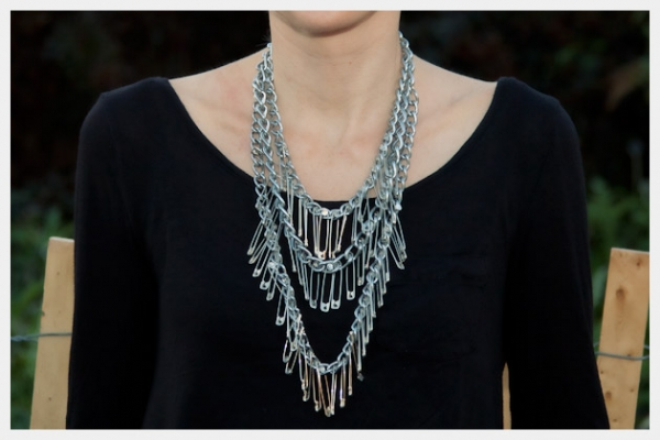 triple-chain-statement-necklace-diy-8