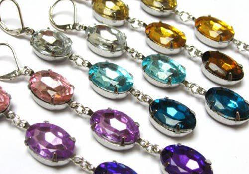 Free jewelry tutorial: DIY ombré rhinestone earrings