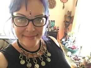 healer, priestess, songstress, reiki master teacher, wellness, nutritional cleansing, weight loss