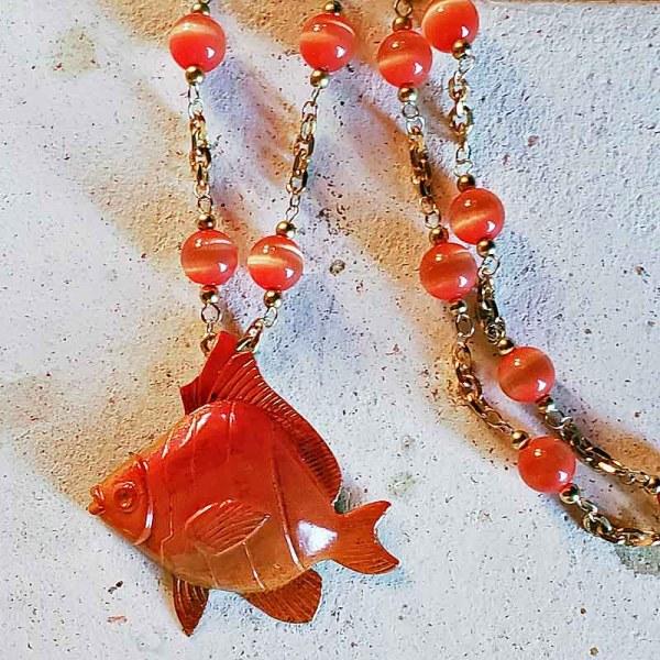 金魚のネックレス
