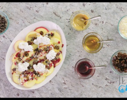50 Second Rosh Hashanah Video Recipe: Apple Nachos