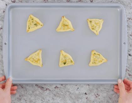 One Minute Purim Recipe: Savory Cheesy Hamantaschen