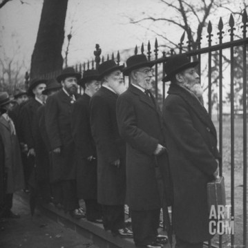 Outside the White House. President Roosevelt refused to meet with them