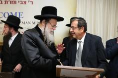 Reb Tzvi Ryzman with the Modzhitzer Rebbe, shlita