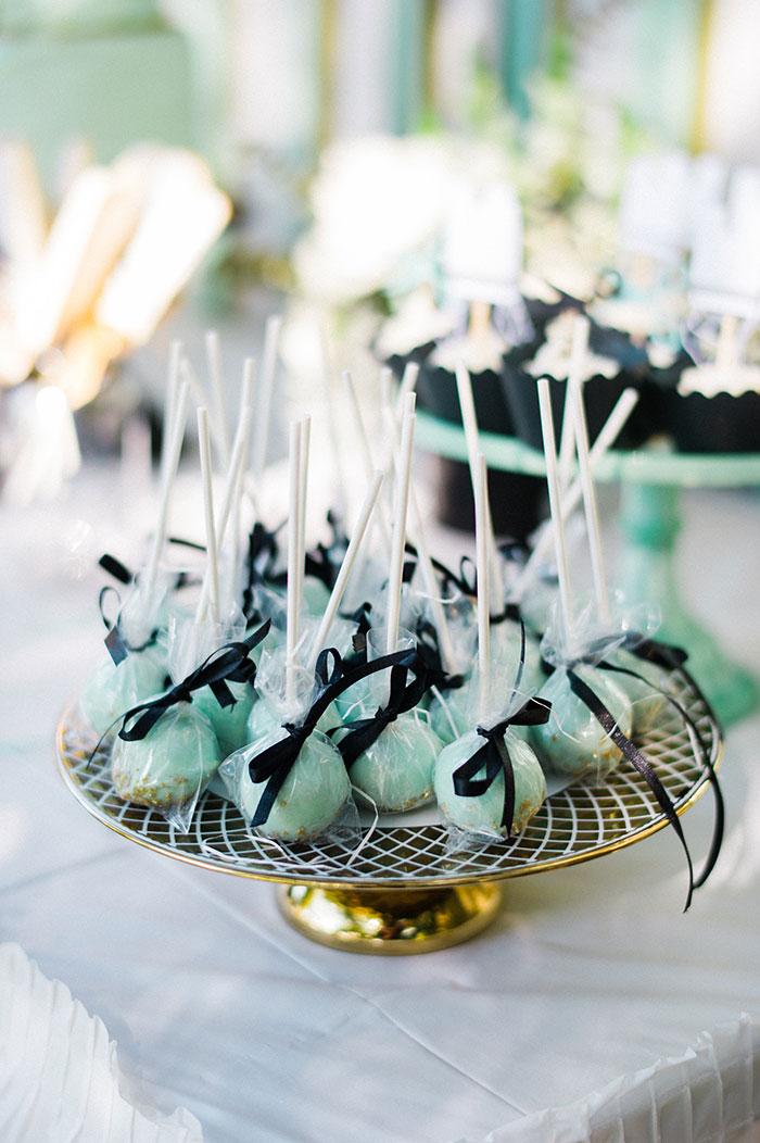 mint-cake-pops