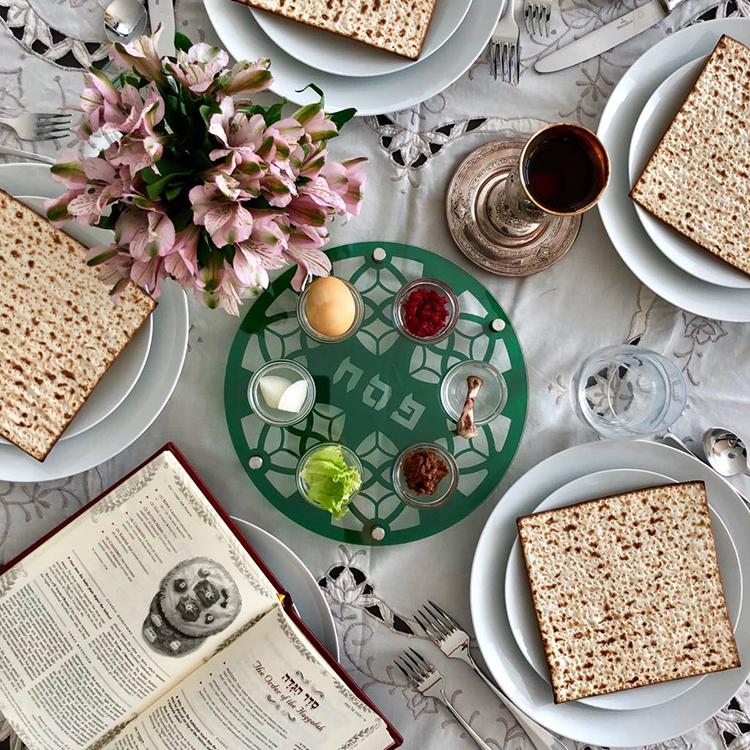 FridzArt Green Acrylic Seder Plate