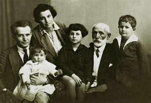 Давид Бен-Гурион и Полина с младшей дочерью Ренаной, старшей дочерью Геулой, отцом Авигдором Грюном и сыном Амосом