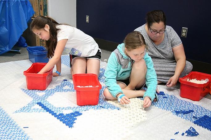 Children doing Israel crafts