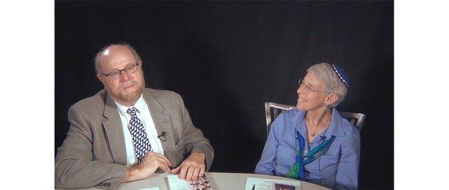 Rabbi Richard Address chats with Rabbi Sue Levi Elwell.