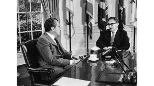 President Richard Nixon meets with national security advisor Henry Kissinger, October 8, 1973. (US Government Photo)