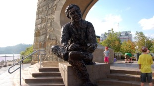 Mr. Rogers Statue, photo by Britt Reints via Flickr.com, Creative Commons License