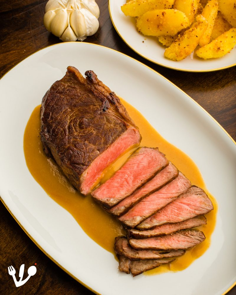 "Viennese ""Vanilla"" Steak Vienna's Garlic Steak with 18 cloves of garlic gravy"