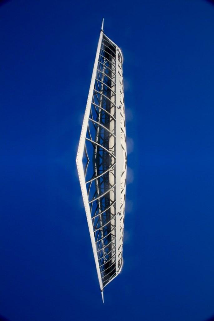 Glasgow Tower - Horizontal symmetry