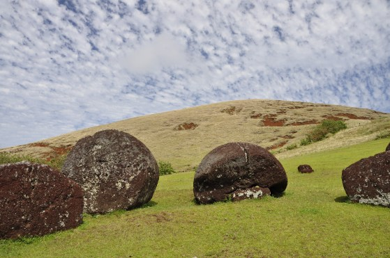 This is where the topknots (the Moai hats) were quarried and carved