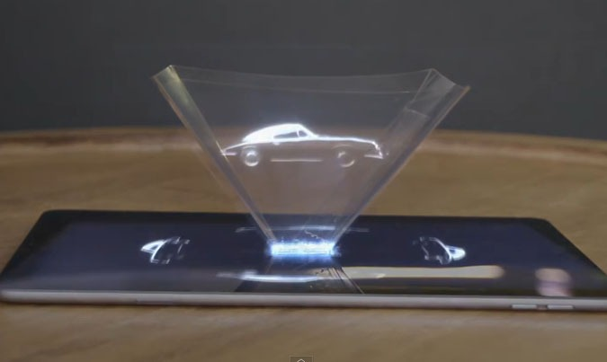 Porsche insère une publicité holographique dans un magazine