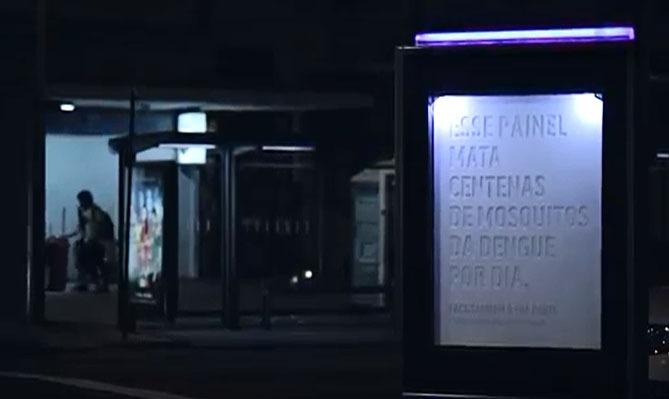 Un panneau publicitaire meurtrier au Brésil publicité moustiques fièvre jaune paludisme