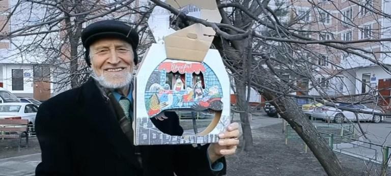 Read more about the article Des boites de pizzas qui se transforment en mangeoires à oiseaux