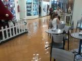 Bráz Shopping também foi atingido.