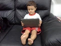 Henrique Mazima Lopes, de dois anos, já está na escola