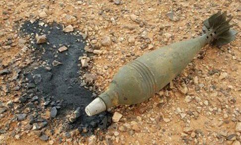 إحدى الصور التي حصل عليها المرصد من قيادي في جيش سوريا الجديد وتظهر إحدى القذائف التي خرجت منها المادة السائلة.
