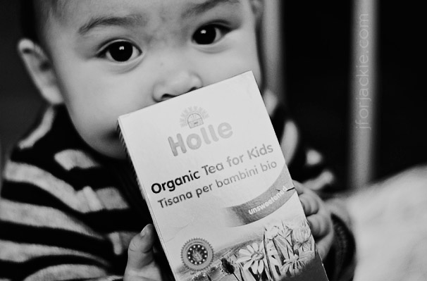 01 June 2013 teething pain toddlers holle tea